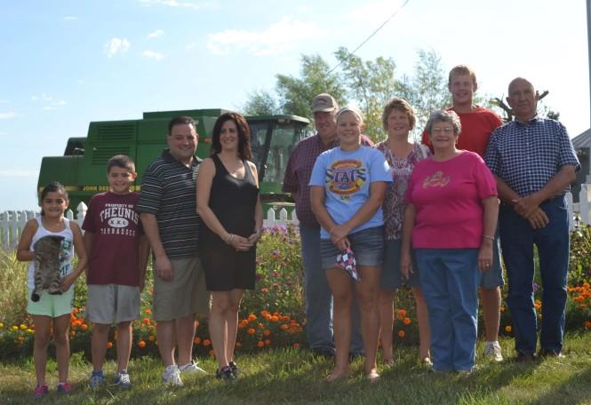 Group photo at Van Manen farm