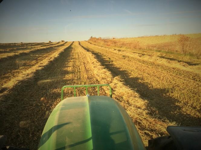 Baling small bales tractor seat